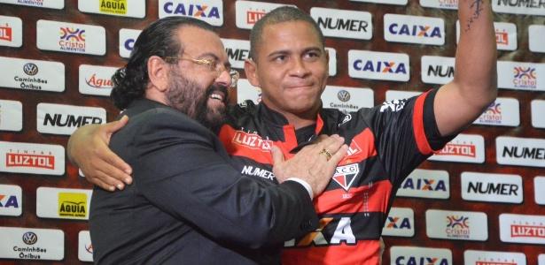 Walter foi apresentado no auditório do Estádio Olímpico, em Goiânia