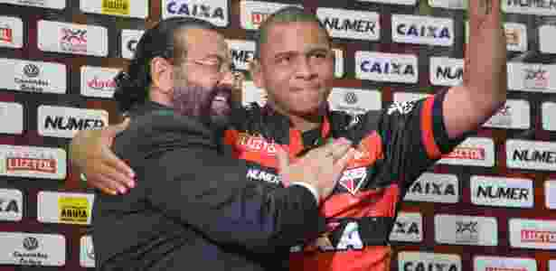 Walter foi apresentado no auditório do Estádio Olímpico, em Goiânia - Divulgação/Atlético-GO