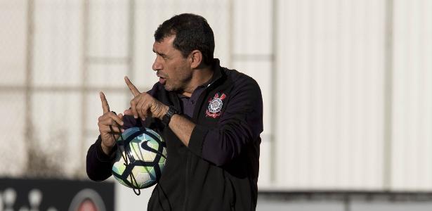 Carille evitou confirmar o time titular do Corinthians para o duelo com o Grêmio - Daniel Augusto Jr./Ag. Corinthians