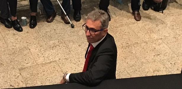 Rejeição da torcida será um dos tantos desafios de Alexandre Campelo no Vasco