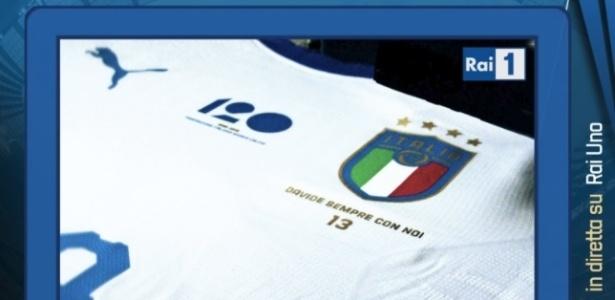 Arte da seleção italiana para mostrar homenagem a Davide Astori