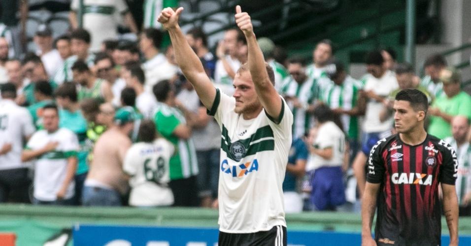 Julio Rusch comemora gol do Coritiba diante do Atlético-PR