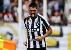 Botafogo encara Inter com volta de Lindoso e dúvida na frente; veja o time