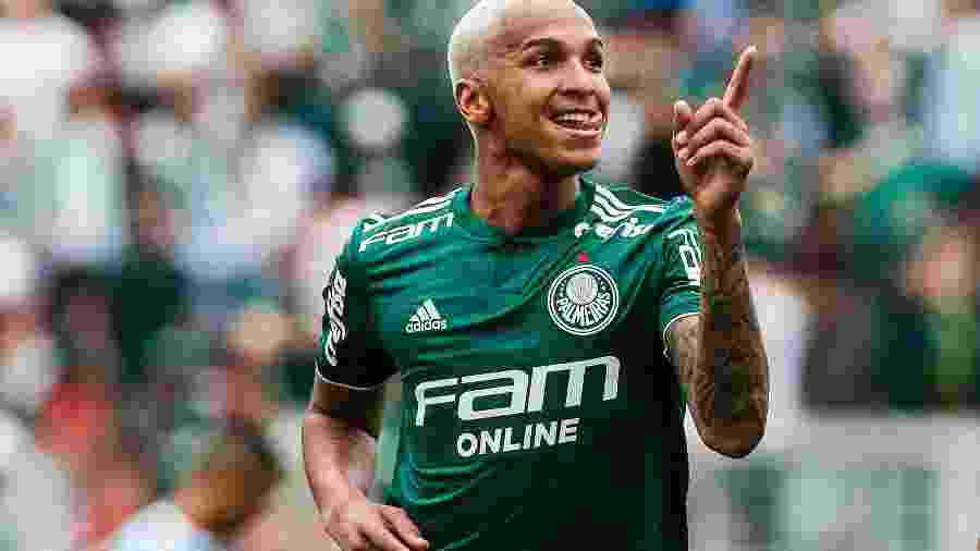 Deyverson volta de suspensão e deve ser titular contra o Paraná - Ale Cabral/AGIF
