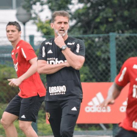 Vagner Mancini comanda treino no São Paulo após saída de Jardine - Érico Leonan / saopaulofc.net