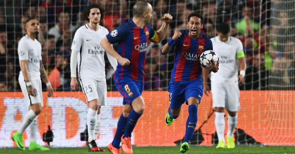Neymar comemora após gol do Barcelona contra o PSG pela Liga dos Campeões em 2017 (Crédito: Laurence Griffiths/Getty Images)