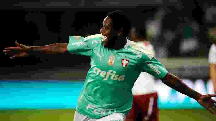 Luiz Adriano comemora gol do Palmeiras contra o Fluminense: atacante é a única dúvida para o duelo com o Atlético-MG - Alan Morici/AGIF