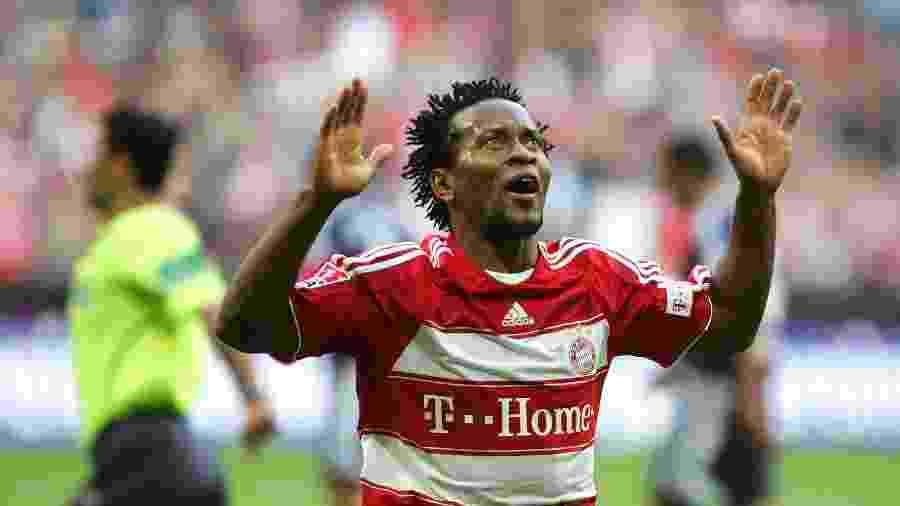 Zé Roberto, em ação pelo Bayern de Munique - Getty Images