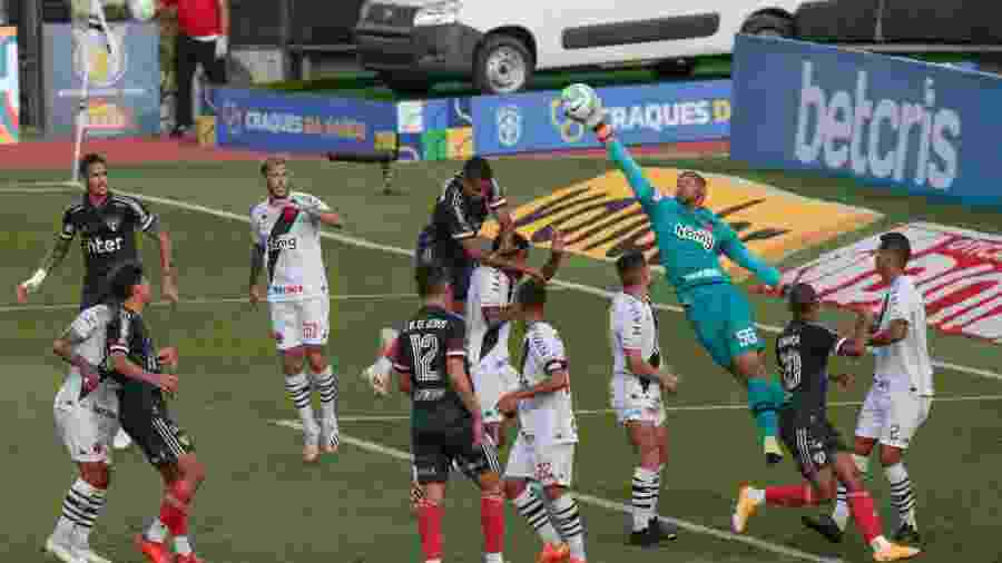Vasco soube se defender bem no empate em 1 a 1 com o São Paulo, pelo Campeonato Brasileiro - Marcello Zambrana/AGIF