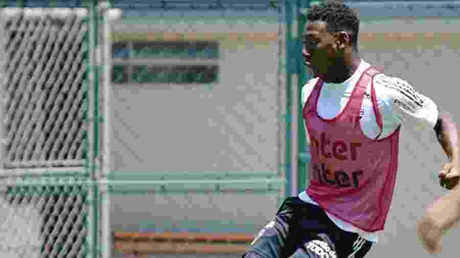 Léo, zagueiro do São Paulo, será titular na vaga de Bruno Alves - Divulgação/São Paulo