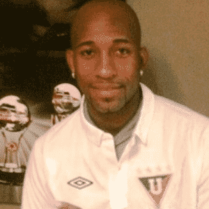 Michael Jackson Quiñonez, ex-meia do Santos, natural do Equador - Reprodução / Twitter @LDU-Oficial
