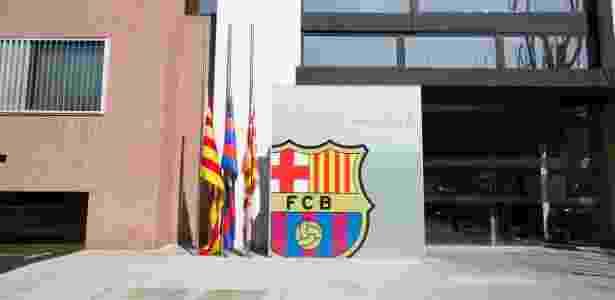 Bandeiras do Barça a meio mastro pela morte de Cruyff - Germán Parga/FCB - Germán Parga/FCB