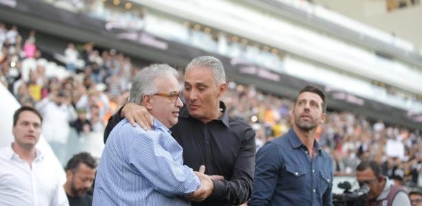 Tite foi homenageado na Arena Corinthians neste domingo