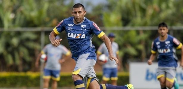Ramón Ábila é protagonista de imbróglio entre Cruzeiro e Huracán