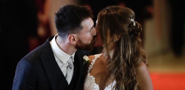 Lionel Messi e Antonella Roccuzzo se casam em cerimônia na Argentina