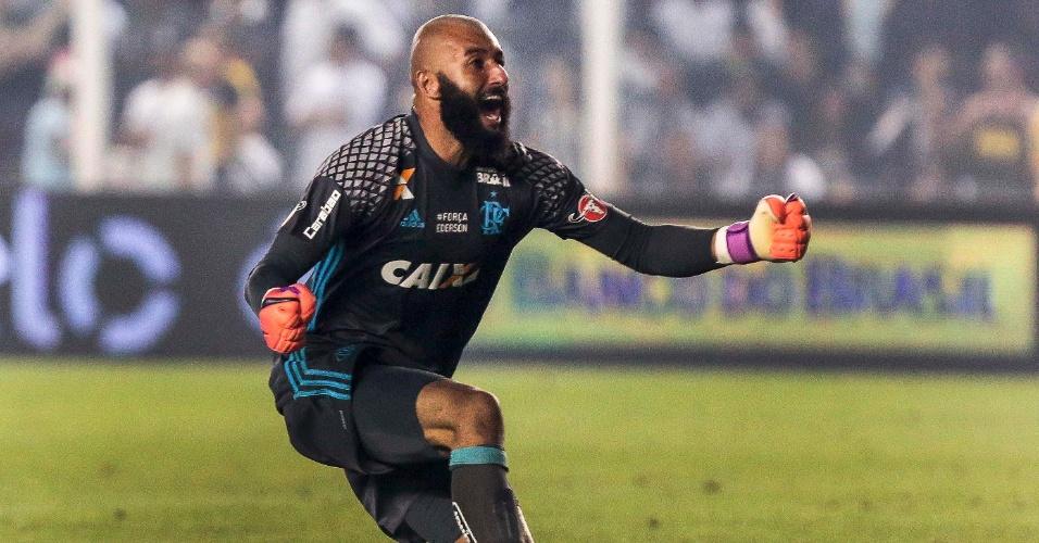 Alex Muralha do Flamengo comemora gol do Flamengo contra o Santos pela Copa do Brasil