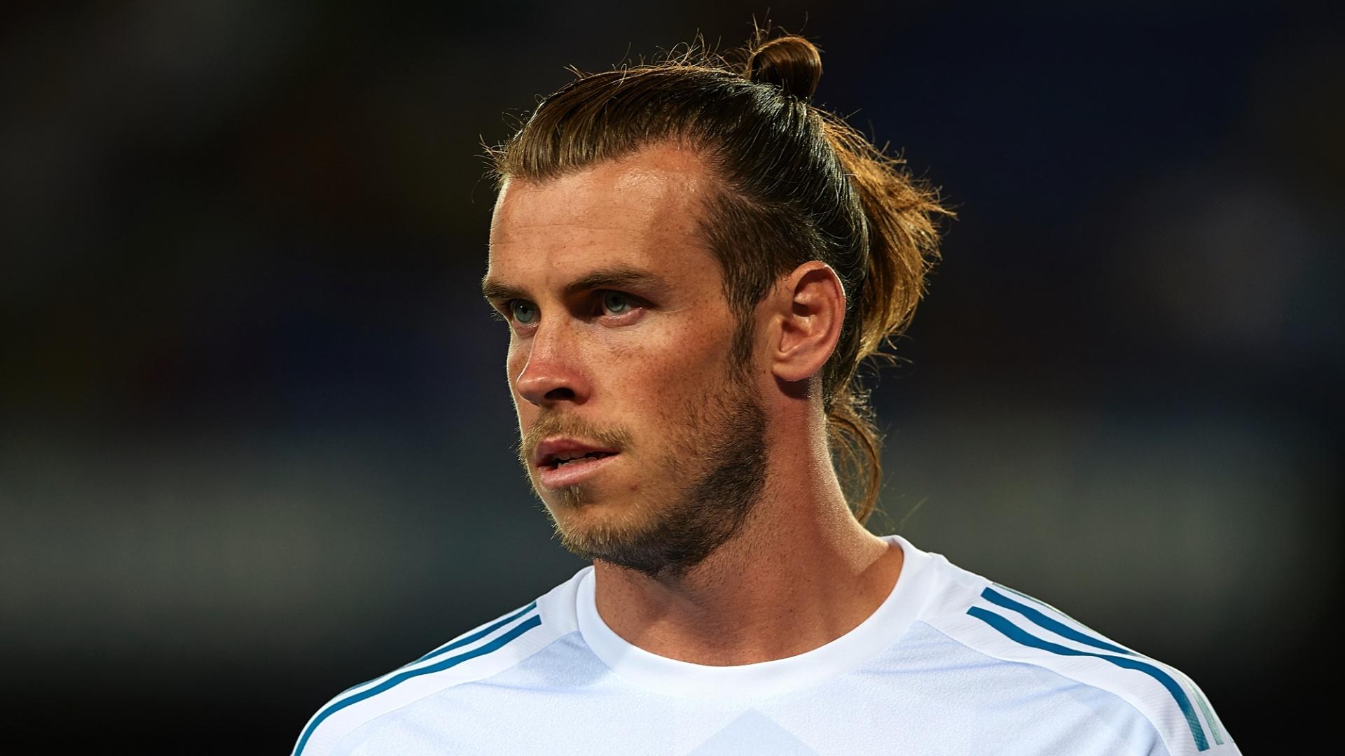 Bale em ação pelo Real Madrid no clássico contra o Barcelona