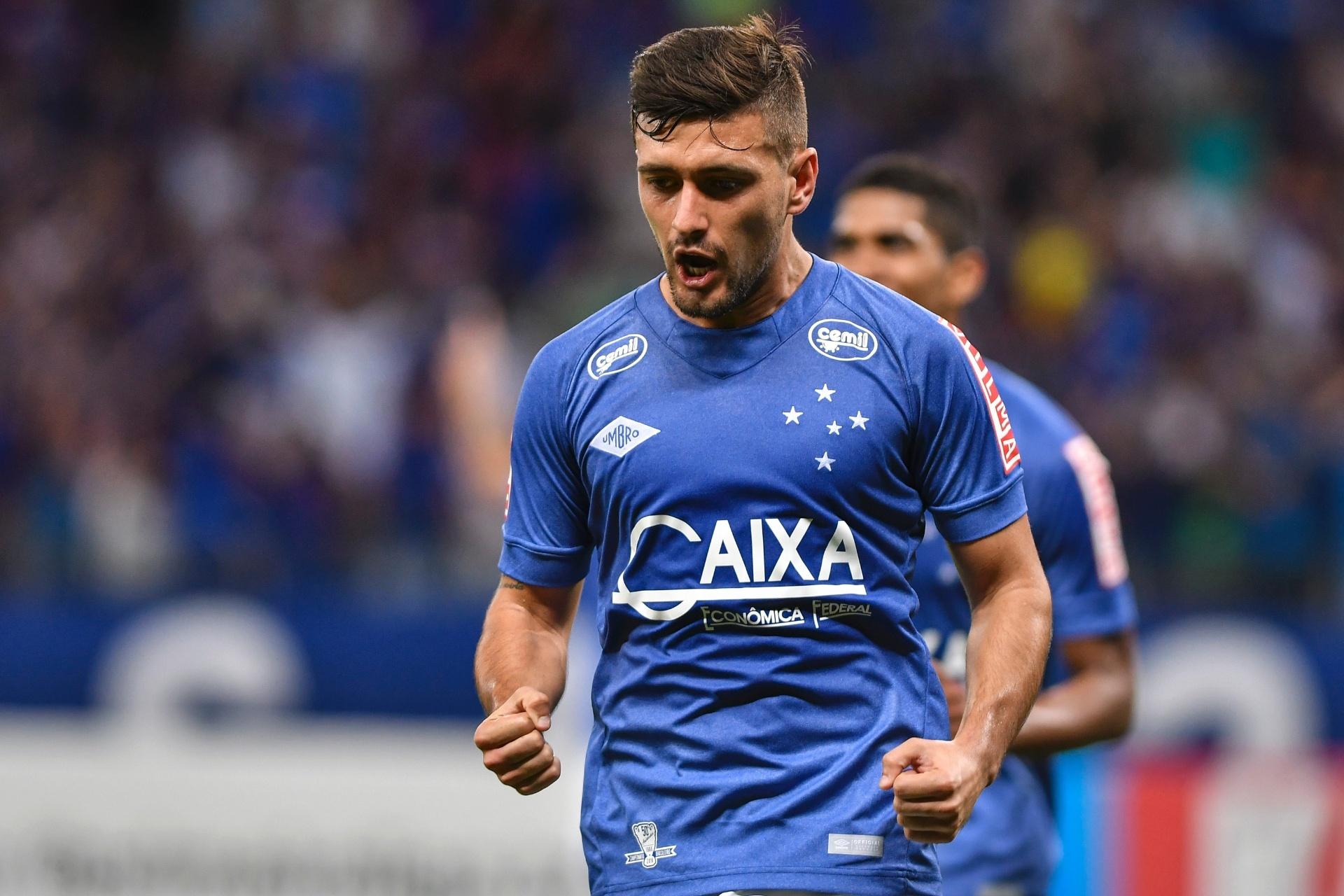 48f64adb7b Cruzeiro recusa oferta de R  23 mi e segura Arrascaeta para 2018 - Esporte  - BOL