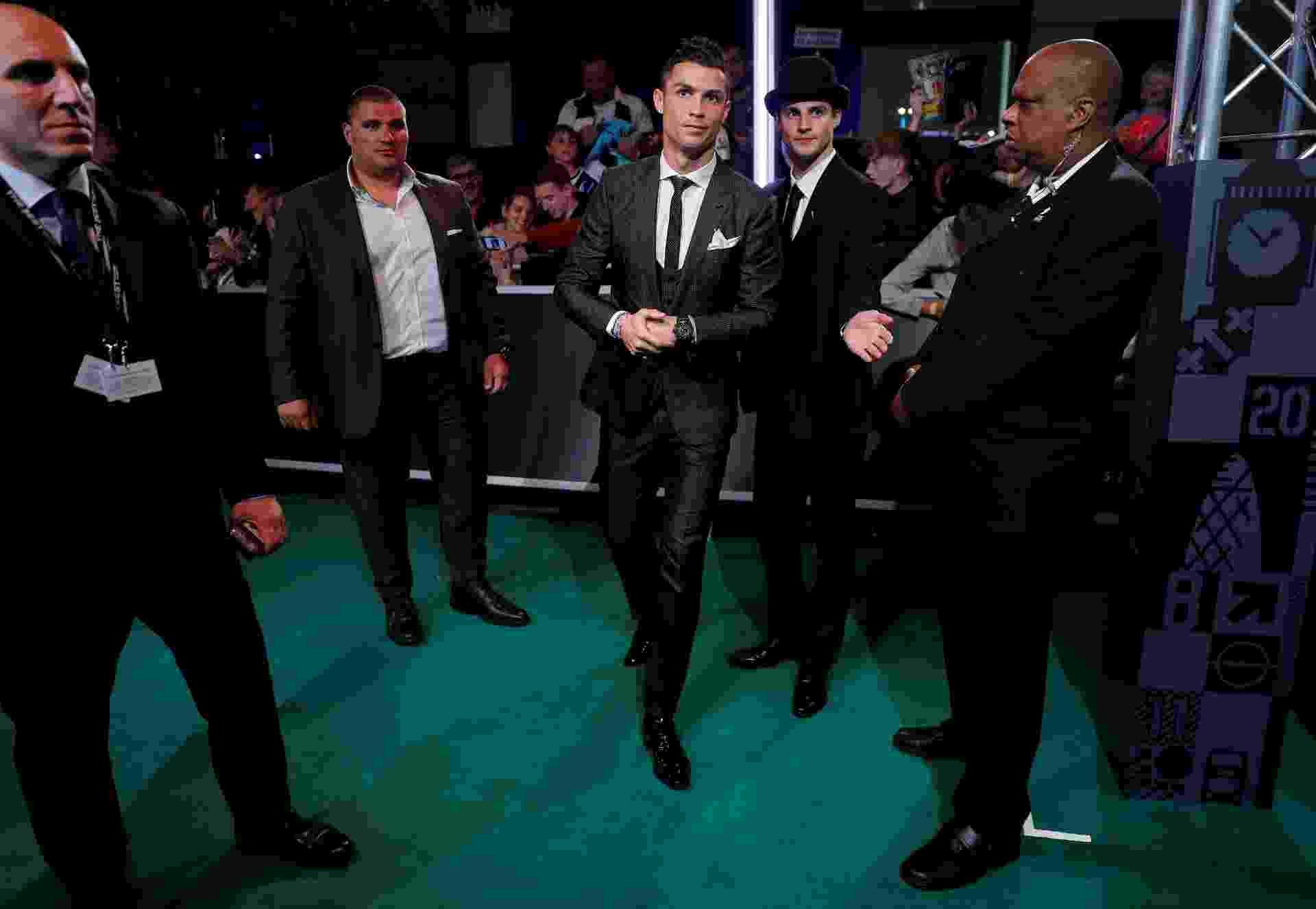 Cristiano Ronaldo antes do início da cerimônia de premiação dos melhores da Fifa - Eddie Keogh/Reuters