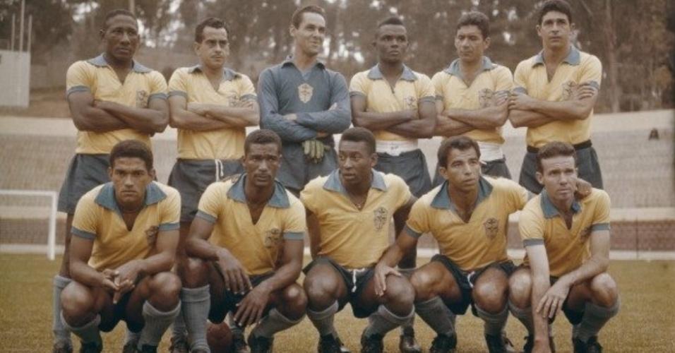 Pelé lembrou da morte de Garrincha com foto no Twitter