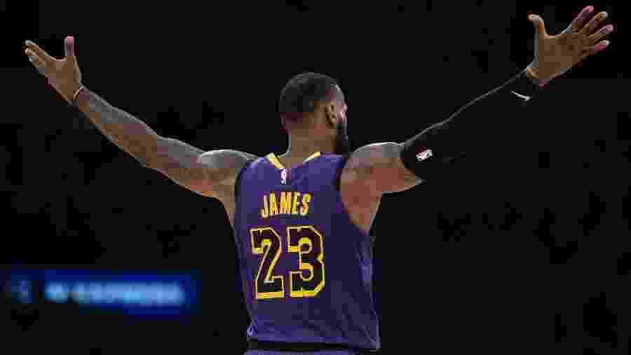 LeBron James comemora vitória do Los Angeles Lakers -  A. Vasquez-USA TODAY Sports