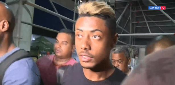 Bruno Henrique chega ao Rio de Janeiro para assinar com Flamengo - reprodução/SporTV