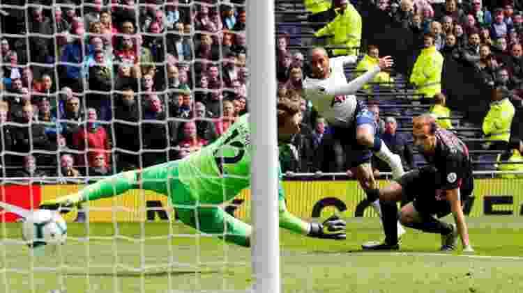 Lucas, do Tottenham - Eddie Keogh/Reuters - Eddie Keogh/Reuters