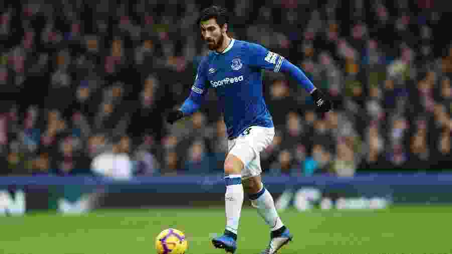 André Gomes em ação com a camisa do Everton - James Baylis/AMA Getty Images
