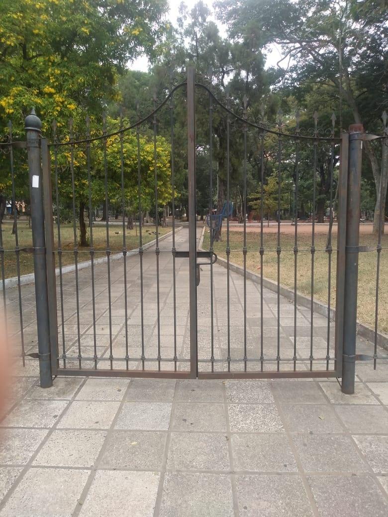 Plaza Italia, fechada como parte das medidas de combate ao novo coronavirus