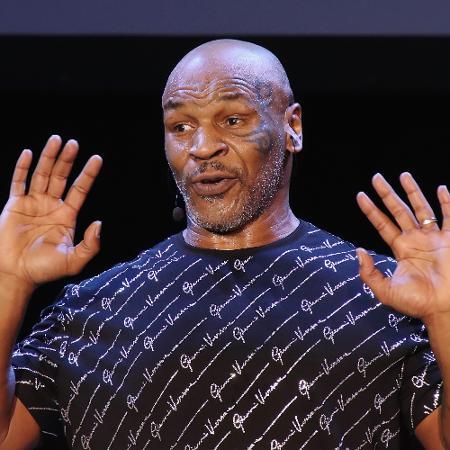 Mike Tyson recebe proposta milionária para lutar no box sem luvas por sua boa forma fisíca  - Donald Kravitz/Getty Images