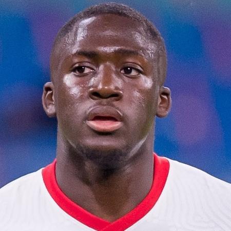 Ibrahima Konaté, zagueiro do RB Leipzig - Mario Hommes/DeFodi Images via Getty Images