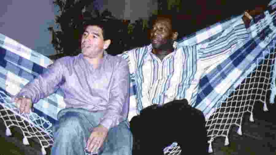 Relação entre Pelé e Maradona foi marcada por trocas de farpas e declarações de admiração mútua - Reuters