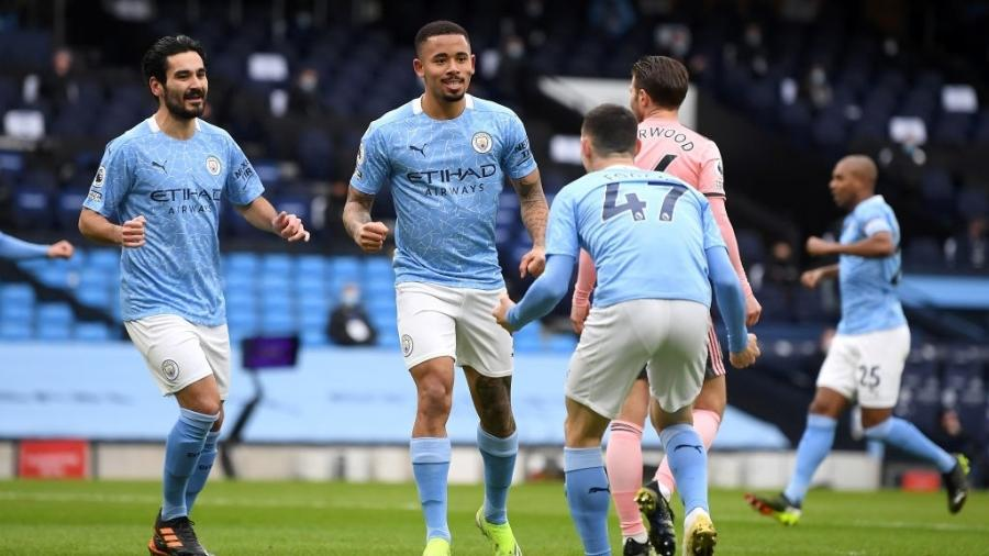Gabriel Jesus comemora gol para o Manchester CIty em partida diante do Sheffield United pelo Campeonato Inglês - Michael Regan/Getty Images