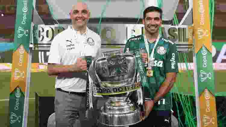 Maurício Galiotte celebra o título da Copa do Brasil do Palmeiras com Abel Ferreira - Divulgação - Divulgação