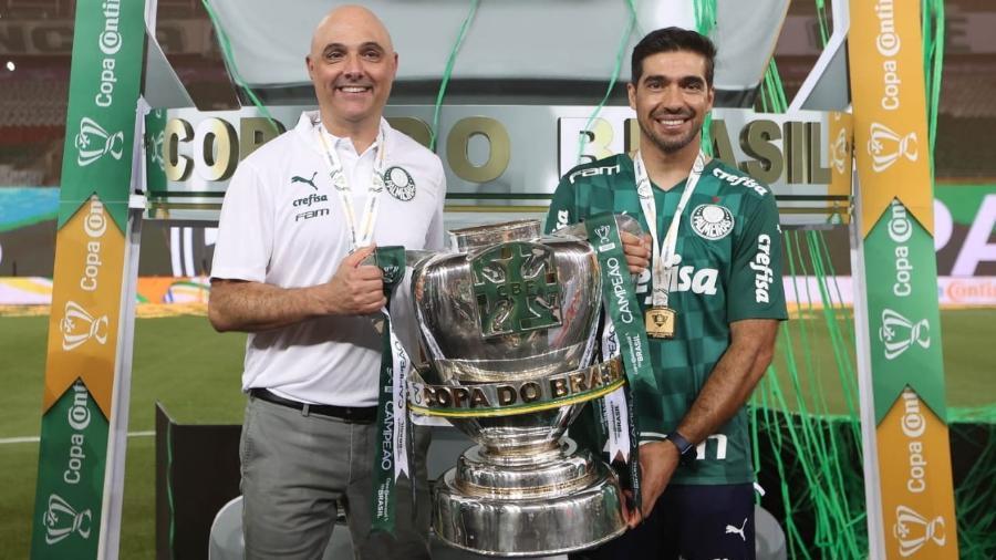 Maurício Galiotte celebra o título da Copa do Brasil do Palmeiras com Abel Ferreira - Divulgação