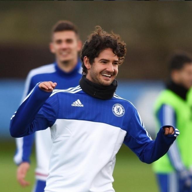 Alexandre Pato treina no Chelsea