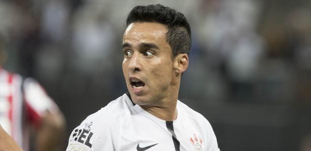 Jadson voltará ao time do Corinthians depois de um jogo fora