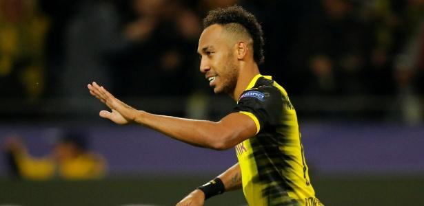 Aumabeyang comemora após marcar pelo Dortmund contra o Real Madrid