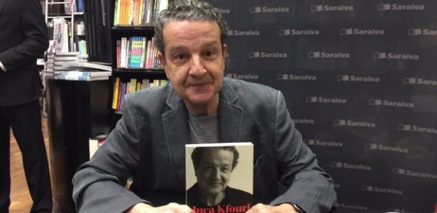 """Juca Kfouri exibe seu livro: """"Confesso que perdi"""""""