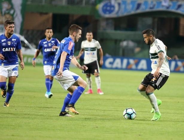 Léo em ação contra o Cruzeiro: trabalho com psicólogo do Tetra - Comunicação CFC