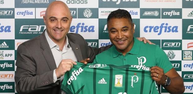 Roger Machado é apresentado no Palmeiras por Mauricio Galiotte