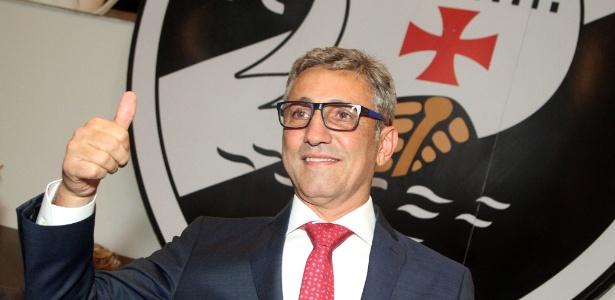 Alexandre Campello em sua posse como novo presidente; ele se absteve na eleição - Paulo Fernandes / Flickr do Vasco