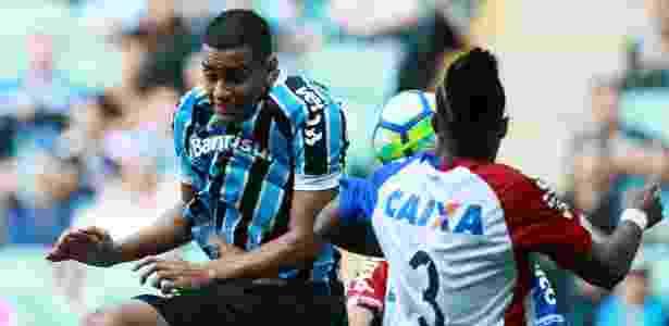 Thonny Anderson tem sido usado no ataque do Grêmio por conta dos desfalques - REUTERS/Diego Vara