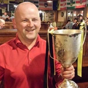 Torcedor do Liverpool, o irlandês Sean Cox, de 53 anos, foi agredido por romanistas - Ansa
