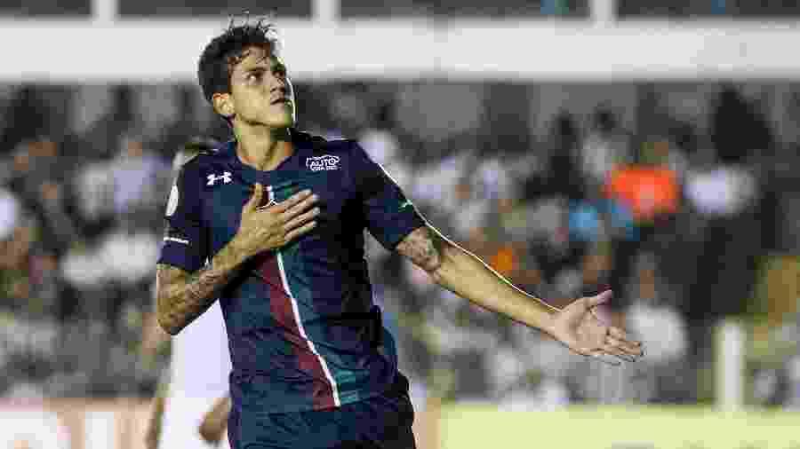Pedro comemora gol do Fluminense contra o Santos - LUCAS MERÇON / FLUMINENSE F.C.
