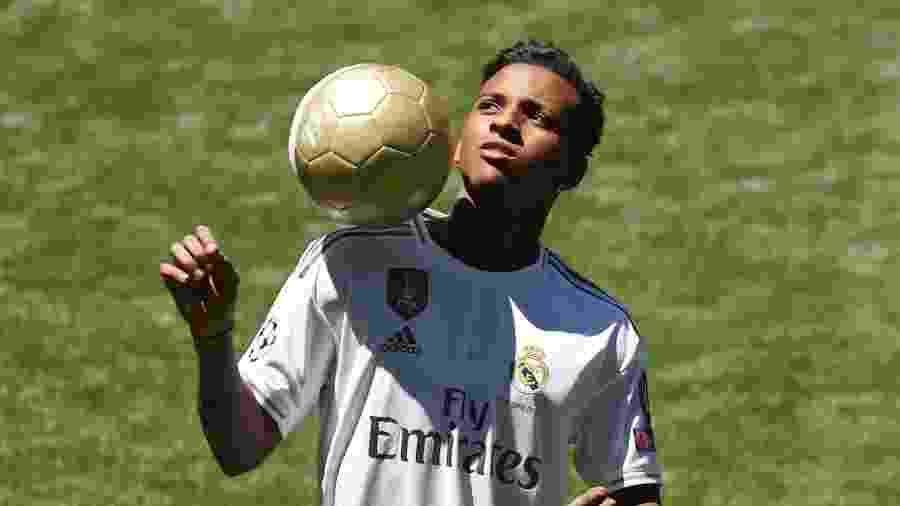 Rodrygo durante apresentação no Real Madrid; brasileiro não deve ser emprestado pelo clube - Sergio Perez/Reuters
