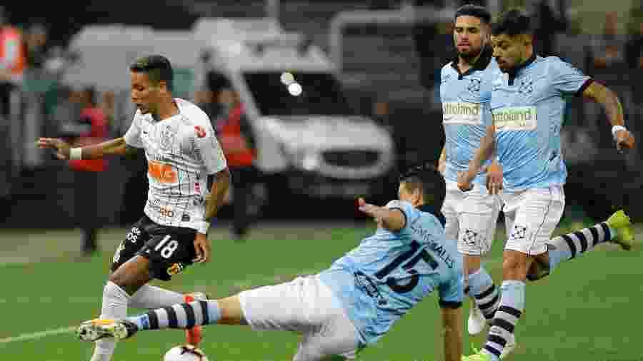 Montevideo Wanderers, que enfrentou o Corinthians em 2019, é time que mais leva cartões no mundo - Daniel Vorley/AGIF