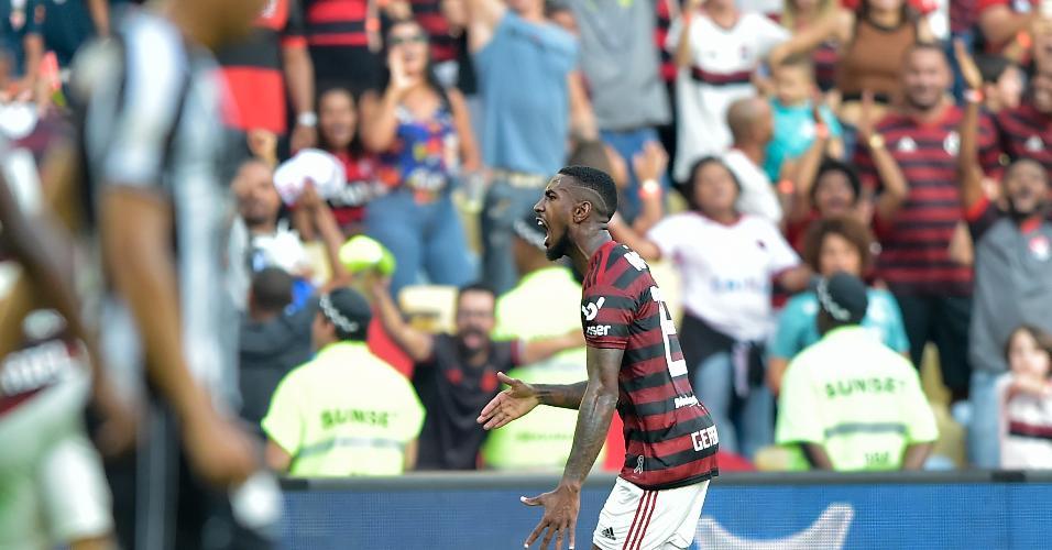Gerson comemora gol do Flamengo contra o Botafogo