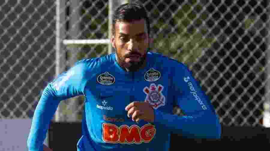 Michel herda a vaga de Fagner, que está a serviço da seleção brasileira em amistosos nos Estados Unidos - Daniel Augusto Jr./Agência Corinthians