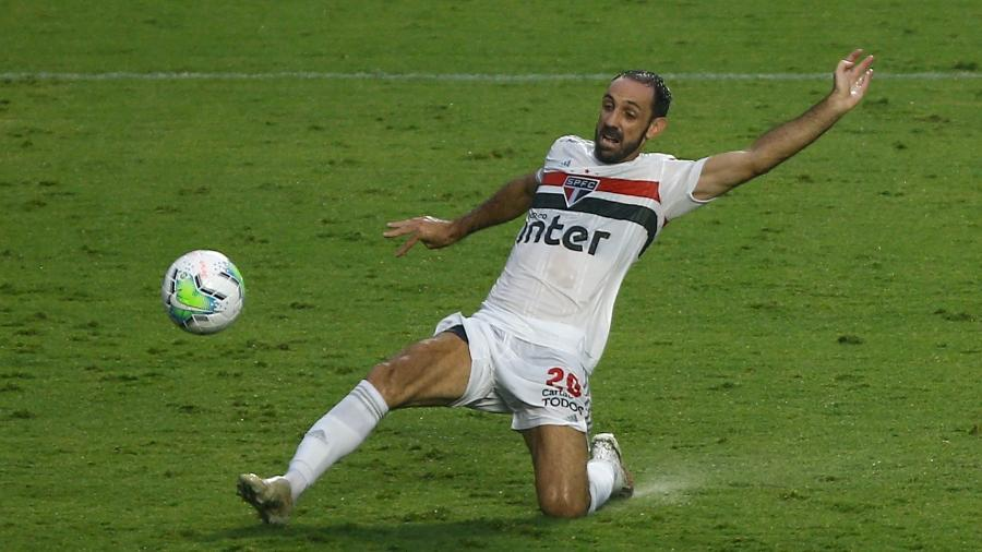 Juanfran, lateral do São Paulo, durante jogo no Morumbi - Marcello Zambrana/AGIF